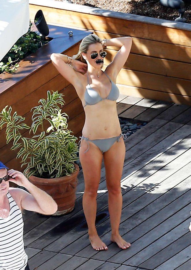 Roxy Jacenko in Bikini 2017 -08