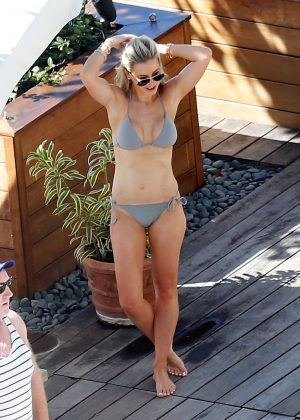Roxy Jacenko in Bikini at a pool in Hawaii