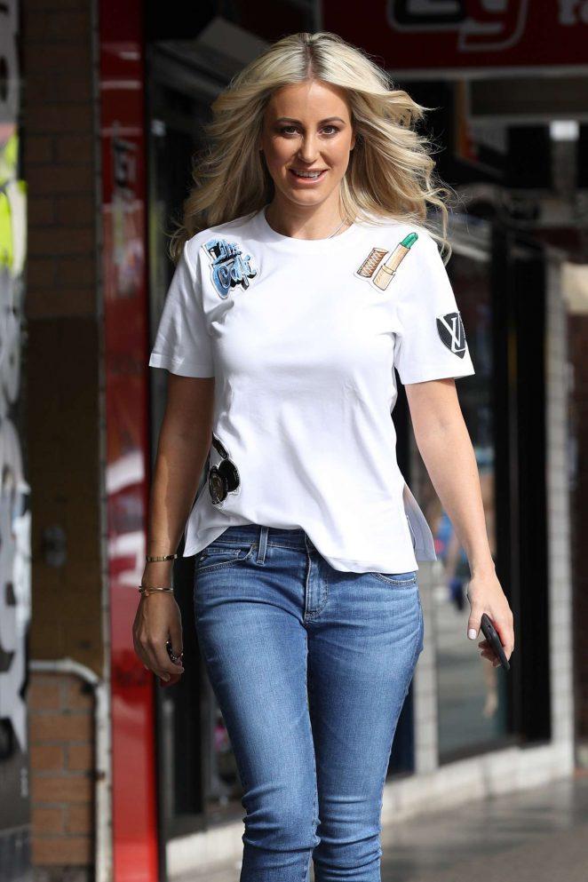 Roxy Jacenko – Leaving Tony&Guy hair salon in Sydney