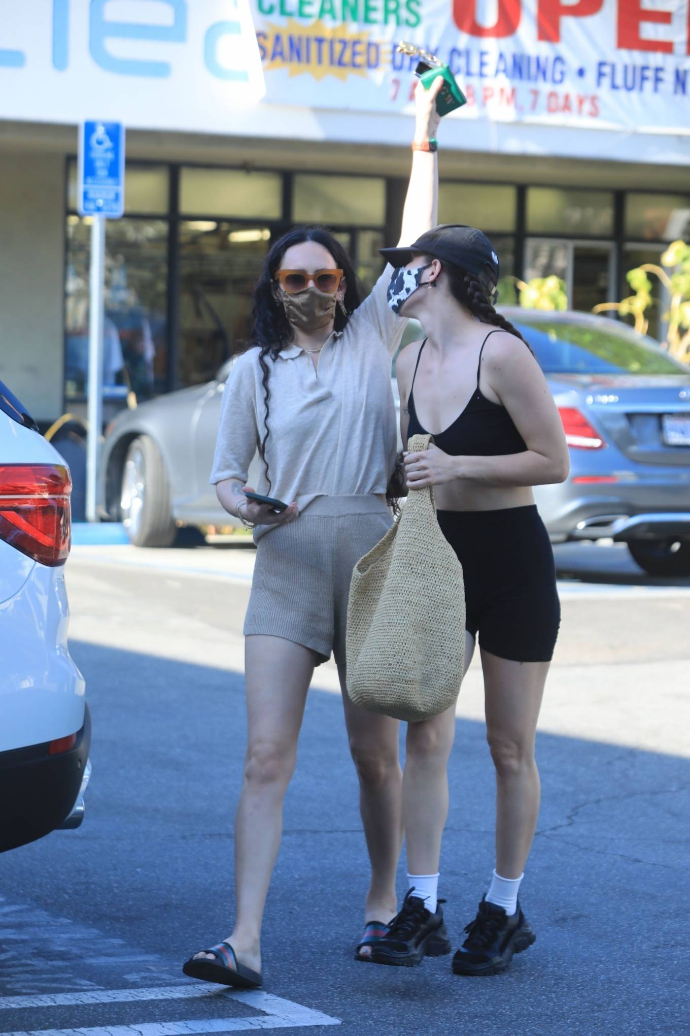 Rumer Willis 2021 : Rumer and Scout Willis – Spotted after a pilates class in West Hollywood-26