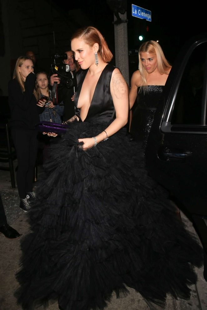 Kate Beckinsale wears plunging gown to Globes after party