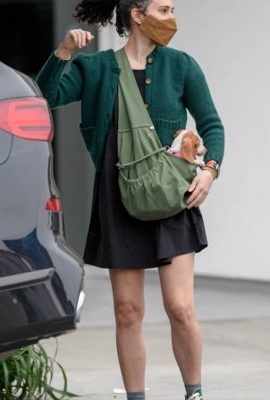 Rumer Willis - Donates at Goodwill in Los Angeles