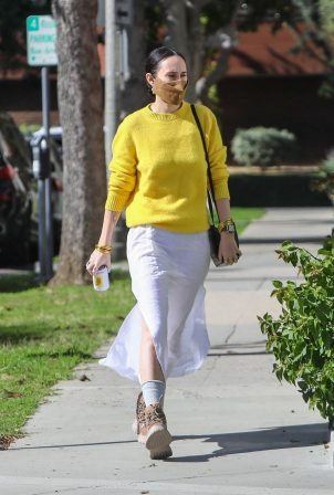 Rumer Willis - Goes to a hair salon in Beverly Hills