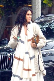 Rumer Willis - Goes to a salon with a friend in Hollywood
