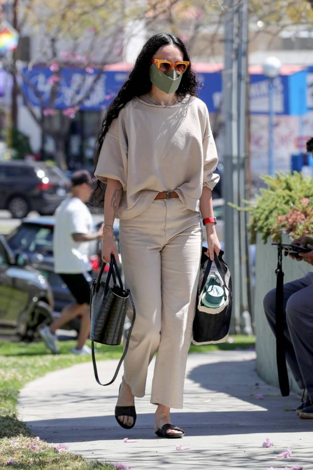 Rumer Willis - heading to the hair salon in West Hollywood