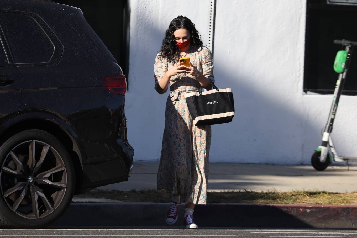Rumer Willis 2020 : Rumer Willis – In a dress while getting her nails done in Los Angeles-07