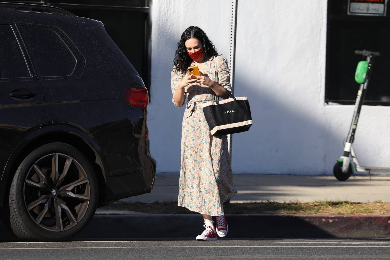Rumer Willis 2020 : Rumer Willis – In a dress while getting her nails done in Los Angeles-09