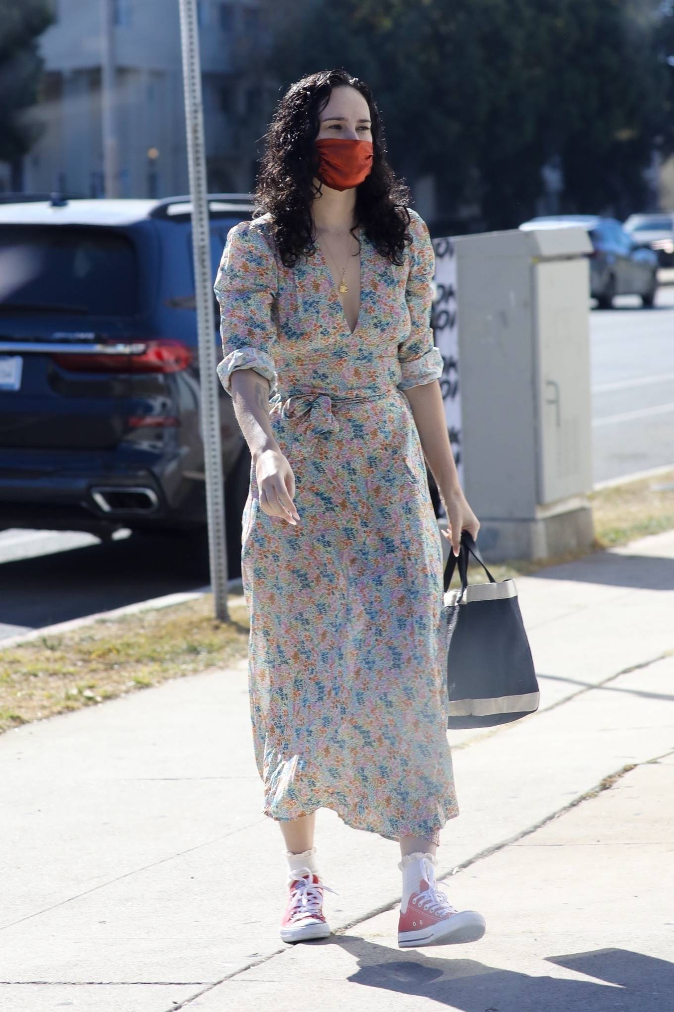 Rumer Willis 2020 : Rumer Willis – In a dress while getting her nails done in Los Angeles-12