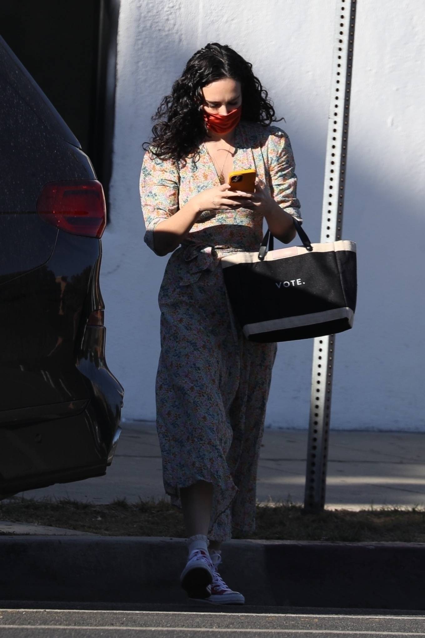Rumer Willis 2020 : Rumer Willis – In a dress while getting her nails done in Los Angeles-14