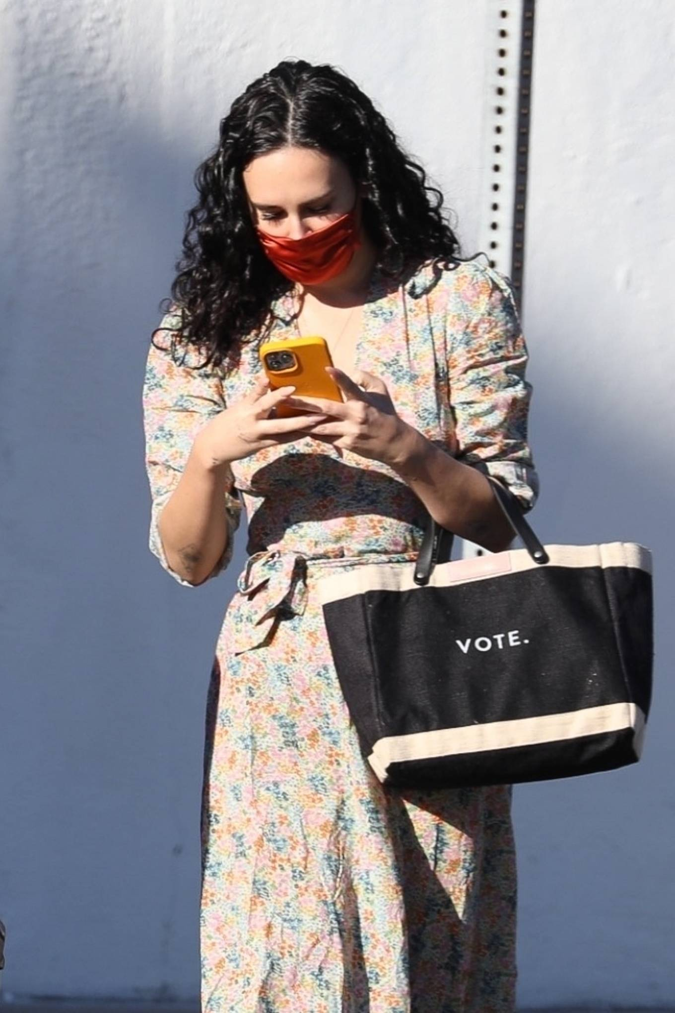 Rumer Willis 2020 : Rumer Willis – In a dress while getting her nails done in Los Angeles-17