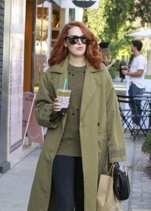 Rumer Willis - Lleaves Alfred Tea Room in Los Angeles