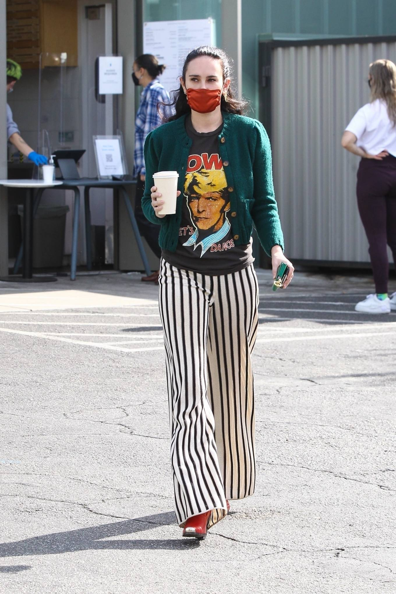 Rumer Willis 2020 : Rumer Willis – Looks pretty while out for a coffee in West Hollywood-03