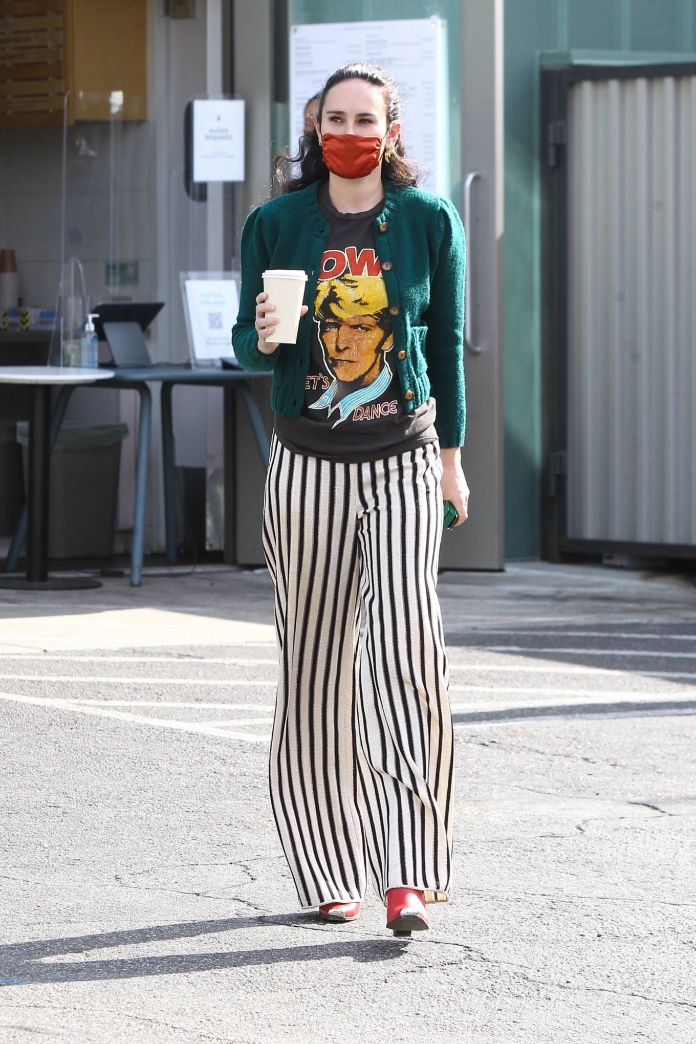 Rumer Willis 2020 : Rumer Willis – Looks pretty while out for a coffee in West Hollywood-09