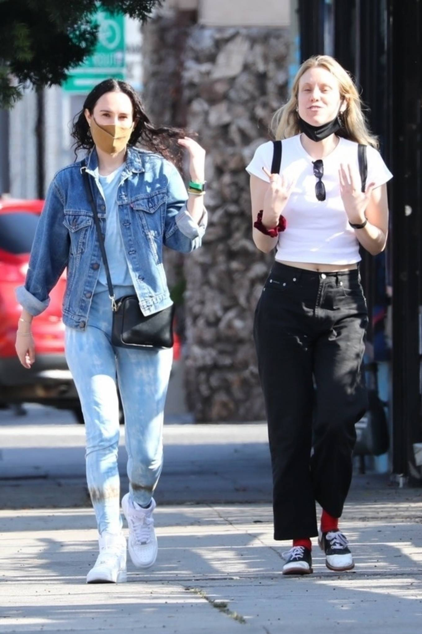 Rumer Willis 2021 : Rumer Willis – Seen with freiend while out in Los Angeles-04