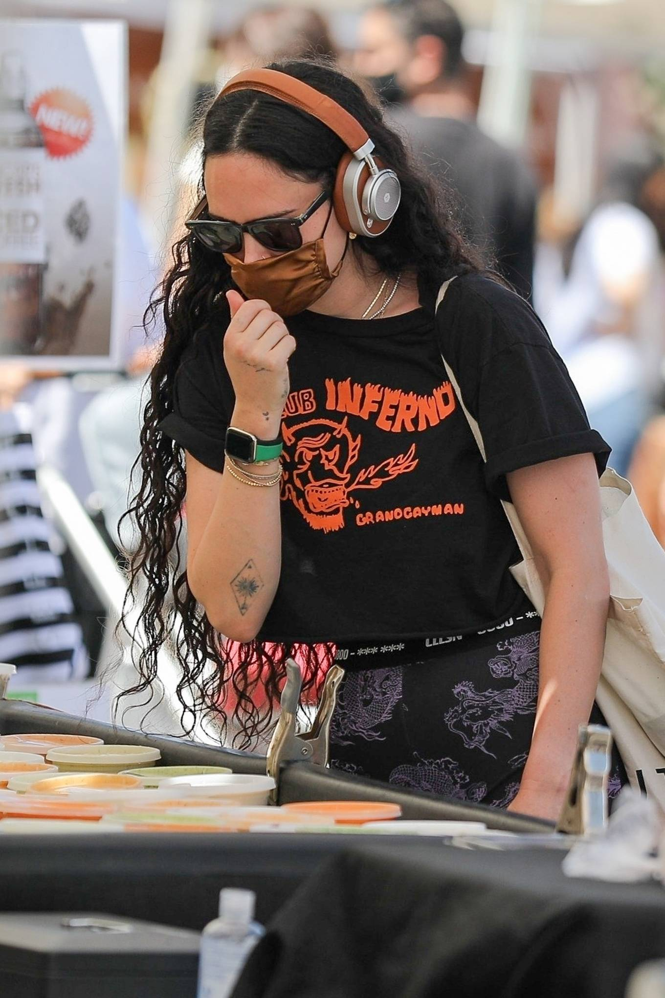 Rumer Willis 2021 : Rumer Willis – Shopping at the farmers market in West Hollywood-18
