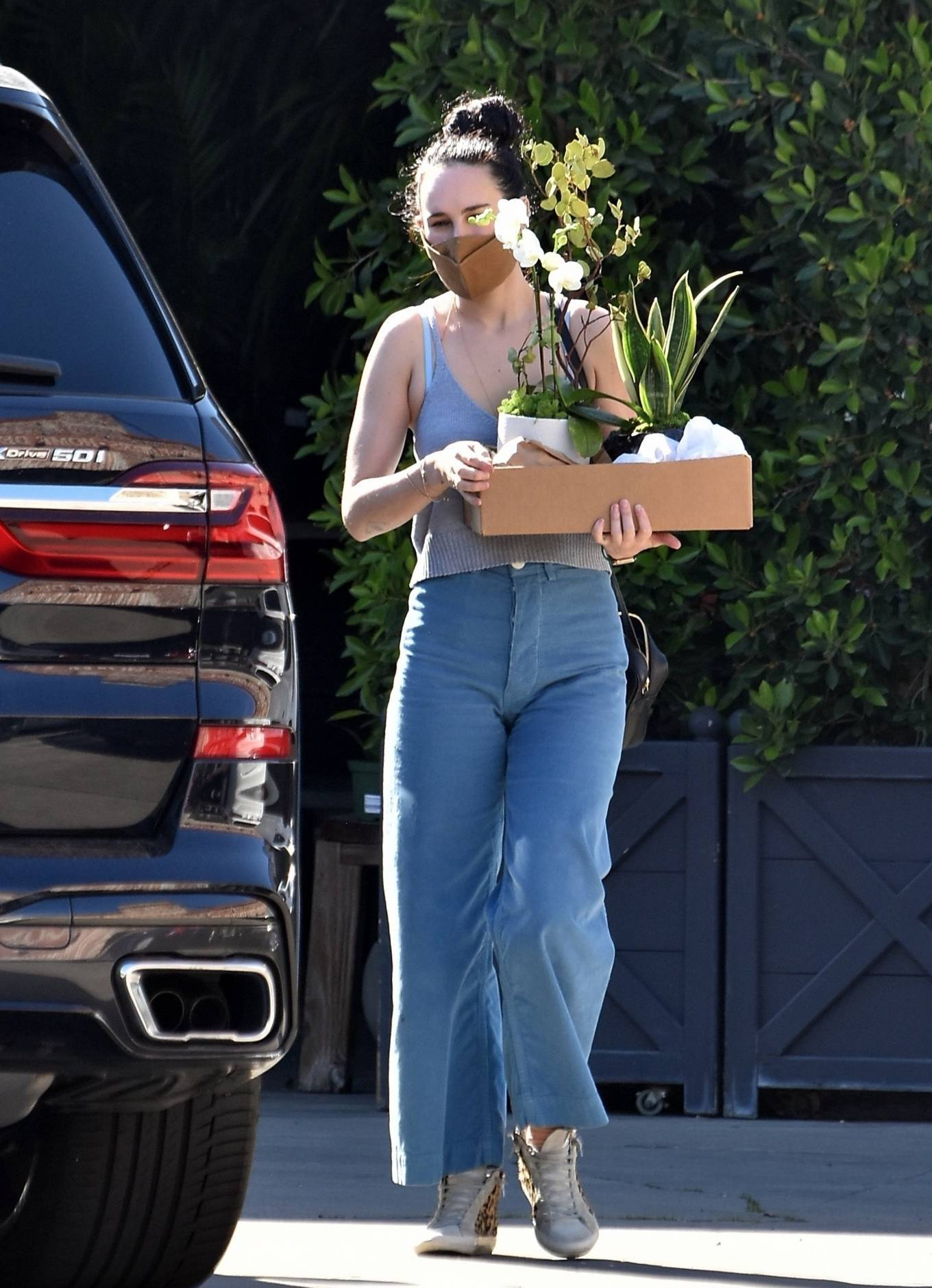 Rumer Willis 2021 : Rumer Willis – Shopping candids at Rolling Greens Nursery in Los Angeles-04