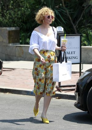 Rumer Willis - Shopping in Los Angeles