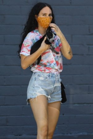 Rumer Willis visits Healthy Spot pet shop