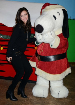 Ryan Newman - Knott's Merry Farm's Countdown To Christmas And Snoopy's Merriest Tree Lighting in Buena Park