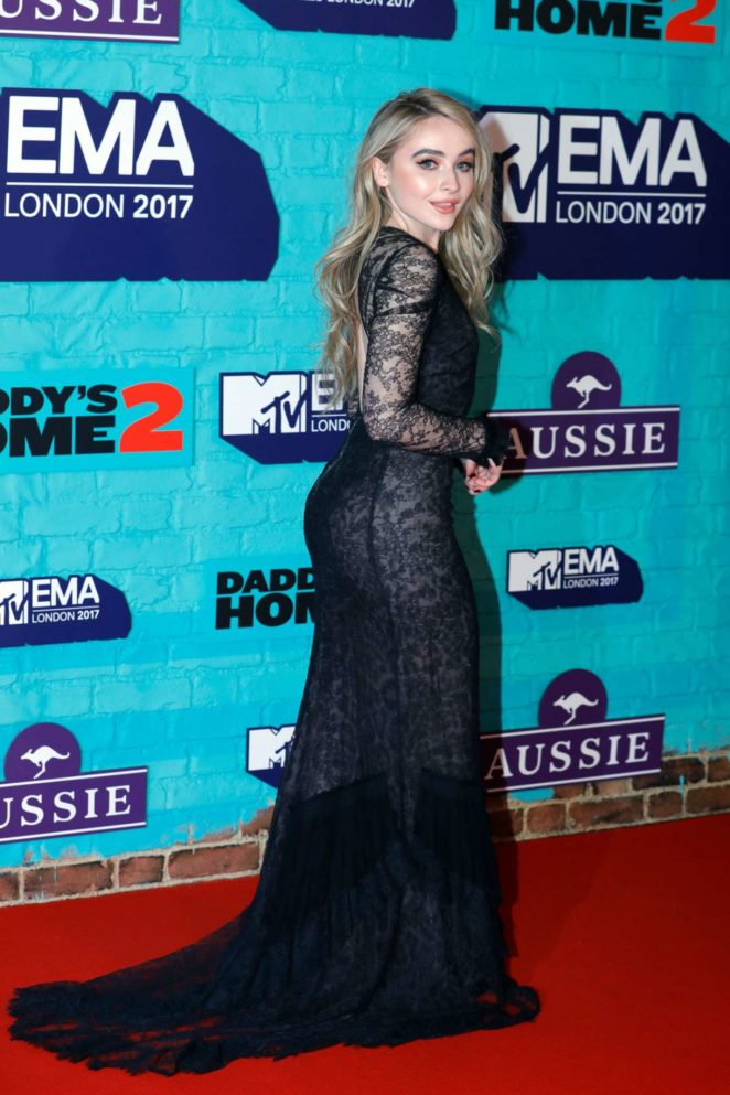 Sabrina Carpenter: 2017 MTV Europe Music Awards -05