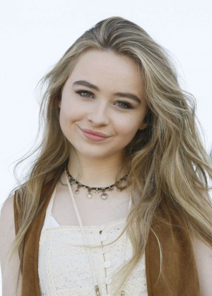 Sabrina Carpenter - Ballooning Festival in New Jersey