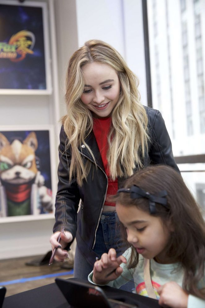 Sabrina Carpenter – Disney Art Academy Event in New York City