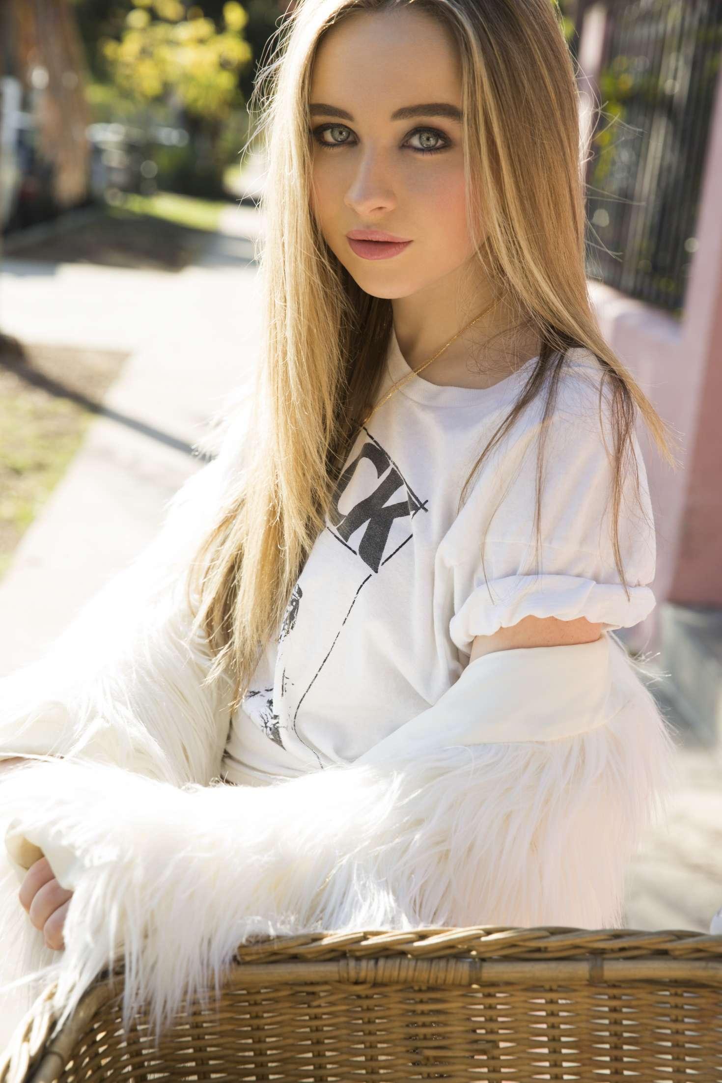 Sabrina Carpenter - WHY Photoshoot Behind the Scenes - YouTube