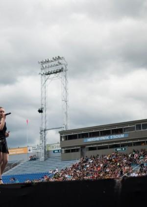 Sabrina Carpenter: Performs at Show Of The Summer -14