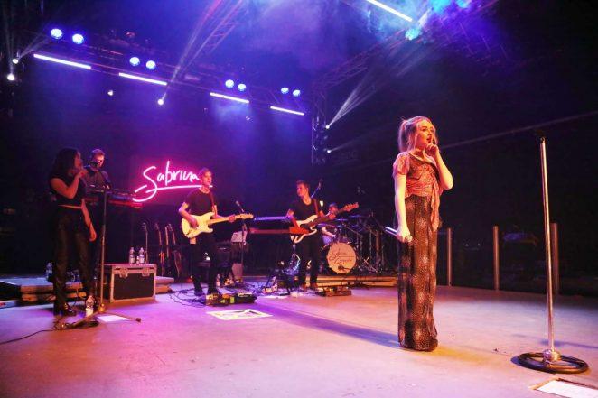 Sabrina Carpenter Performs live in Milano -15