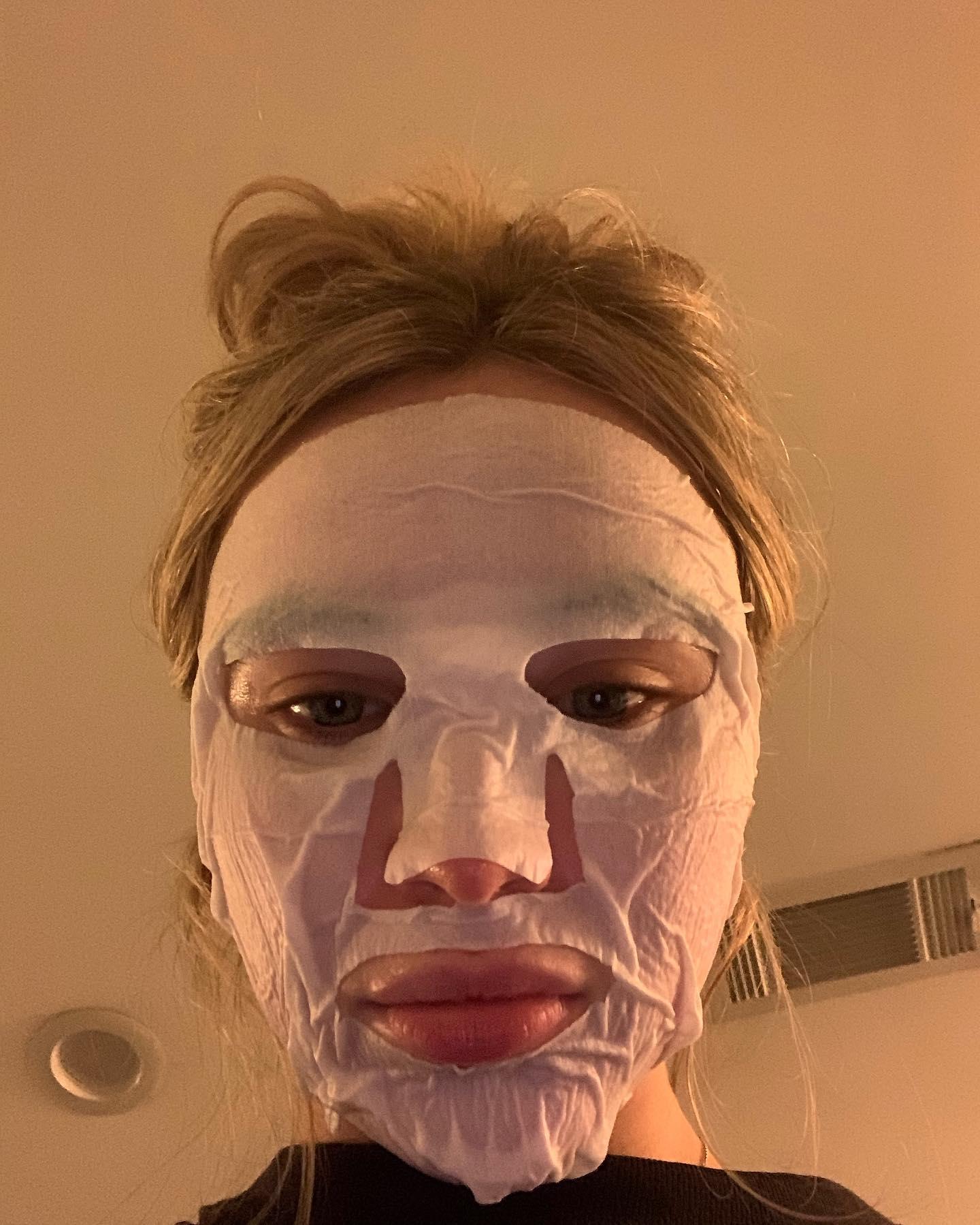 Sabrina Carpenter 2021 : Sabrina Carpenter – Personal photos-01
