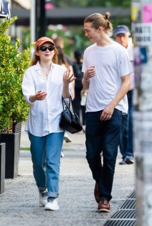 Sadie Sink - Out for a stroll in New York