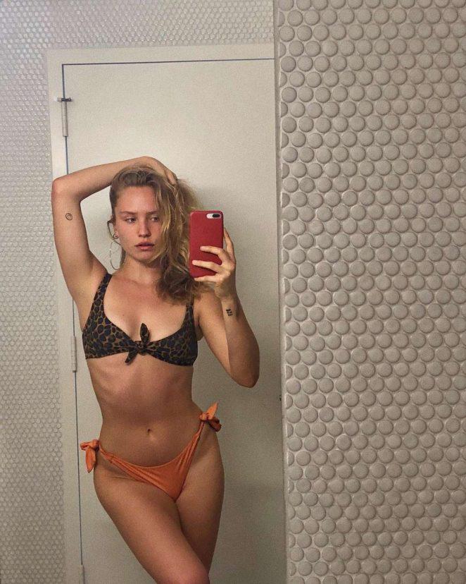 Sailor Brinkley Cook Bikini Nude Photos 25