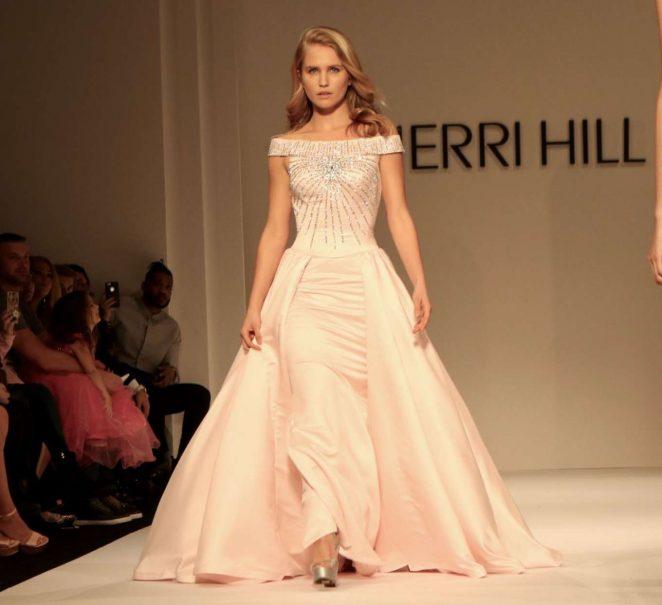 Sailor Brinkley Cook - Sherri Hill Show Runway 2018 in New York