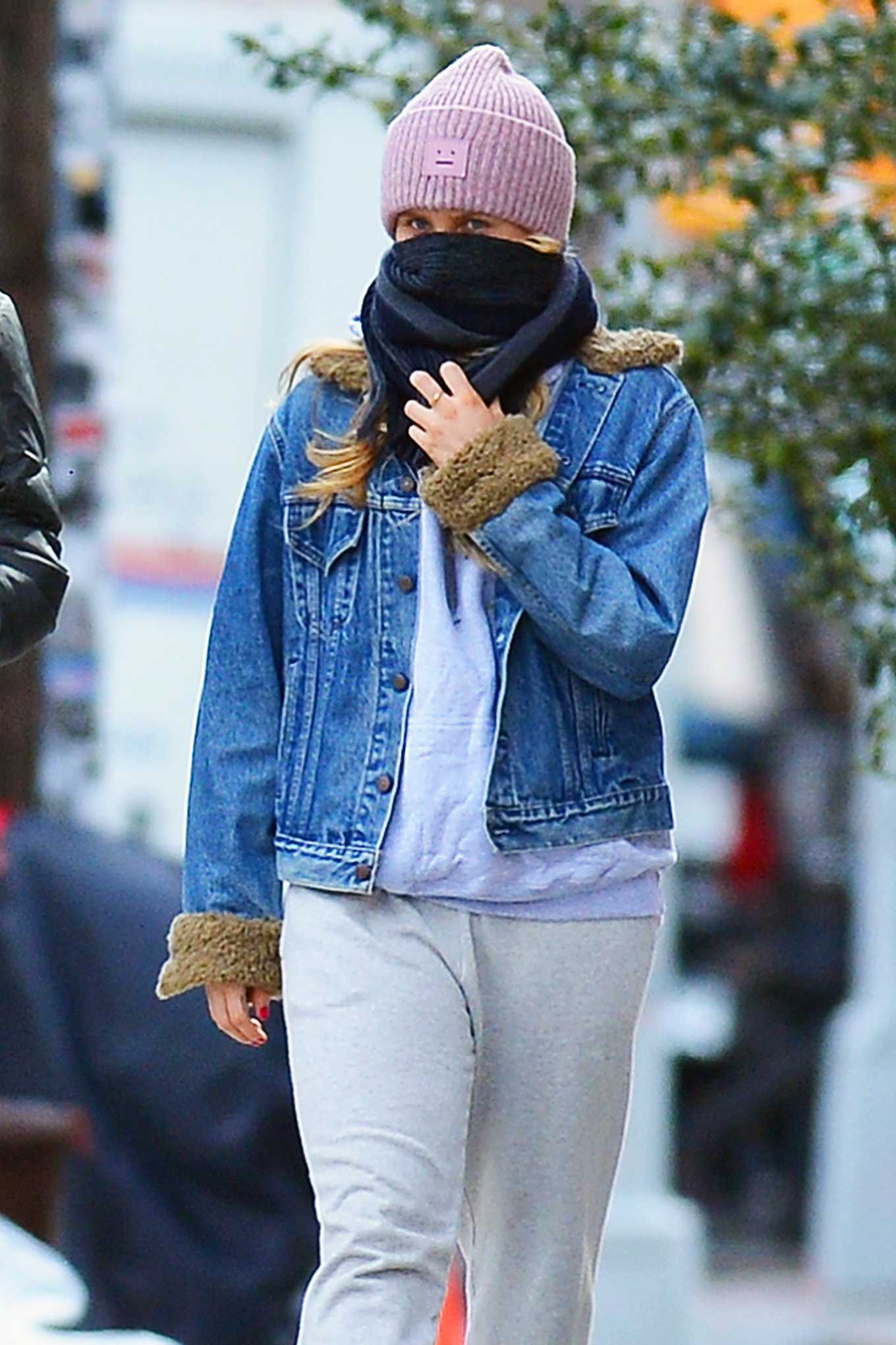 Sailor Brinkley-Cook with boyfriend Head Out for a Stroll to a Park in Brooklyn