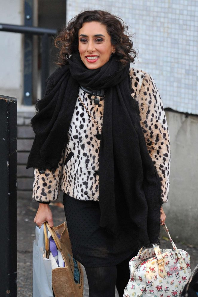 Saira Khan - Laving the studios in London
