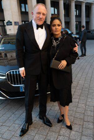 Salma Hayek - arrives for the dinner of the Balenciaga fashion house in Paris
