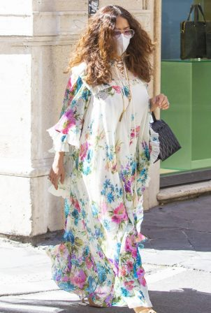 Salma Hayek - Out for a stroll in Rome