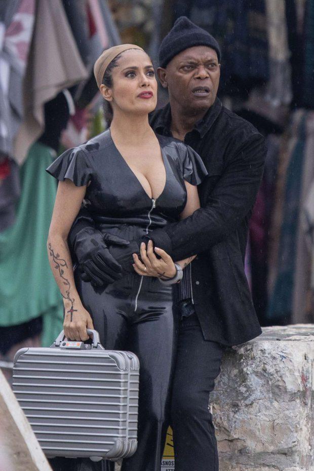 Salma Hayek: Wears a revealing PVC catsuit as she films The Hitman -09