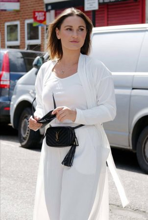 Sam Faiers - All smiles in an all-white outfit in South London