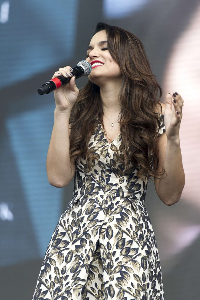 Samantha Barks - Performs at West End Live in London