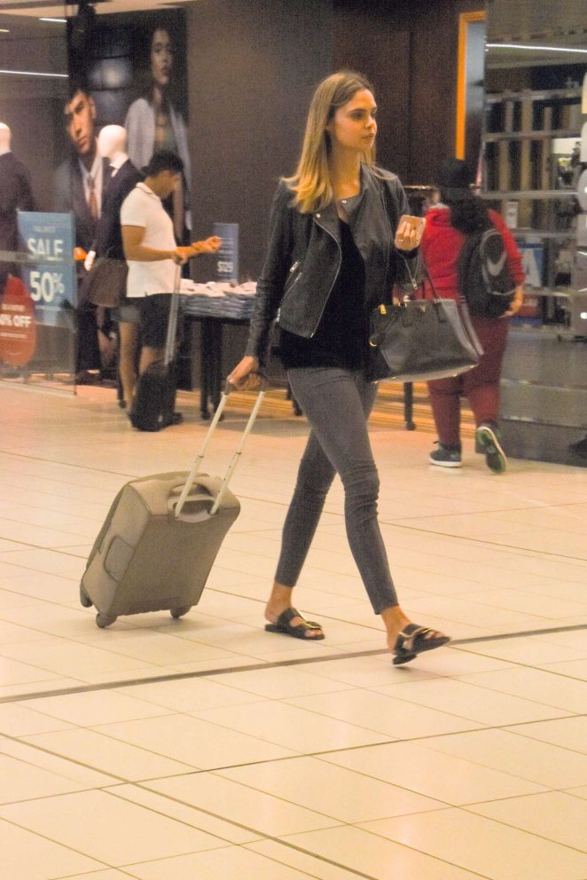 Samantha Harris at airport in Melbourne -04
