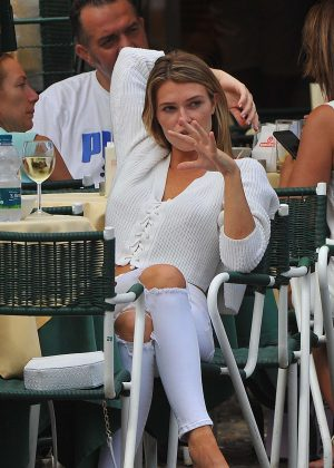 Samantha Hoopes out for lunch in Portofino
