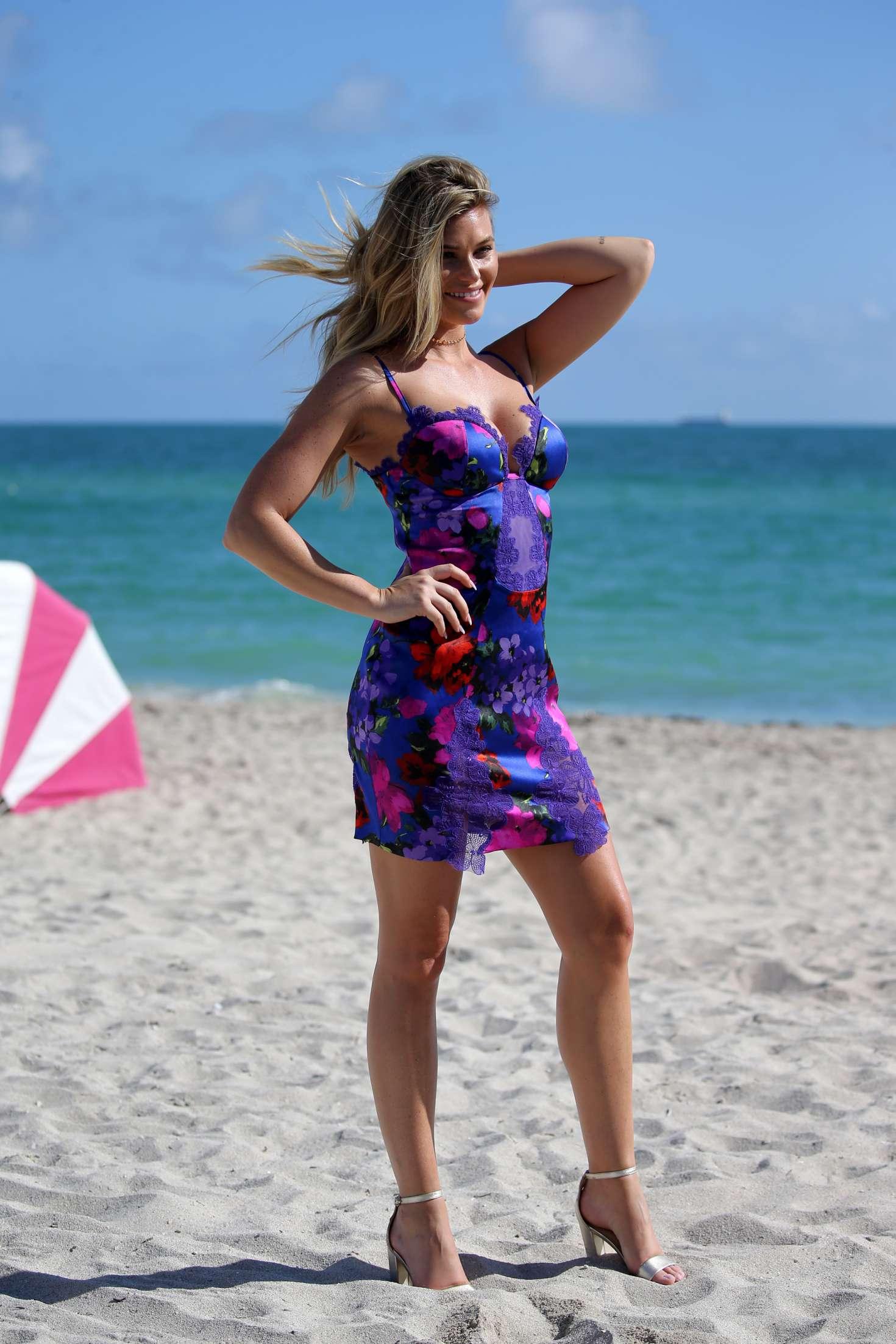 Samantha Hoopes 2017 : Samantha Hoopes: Sports Illustrated Swimsuit Island -71