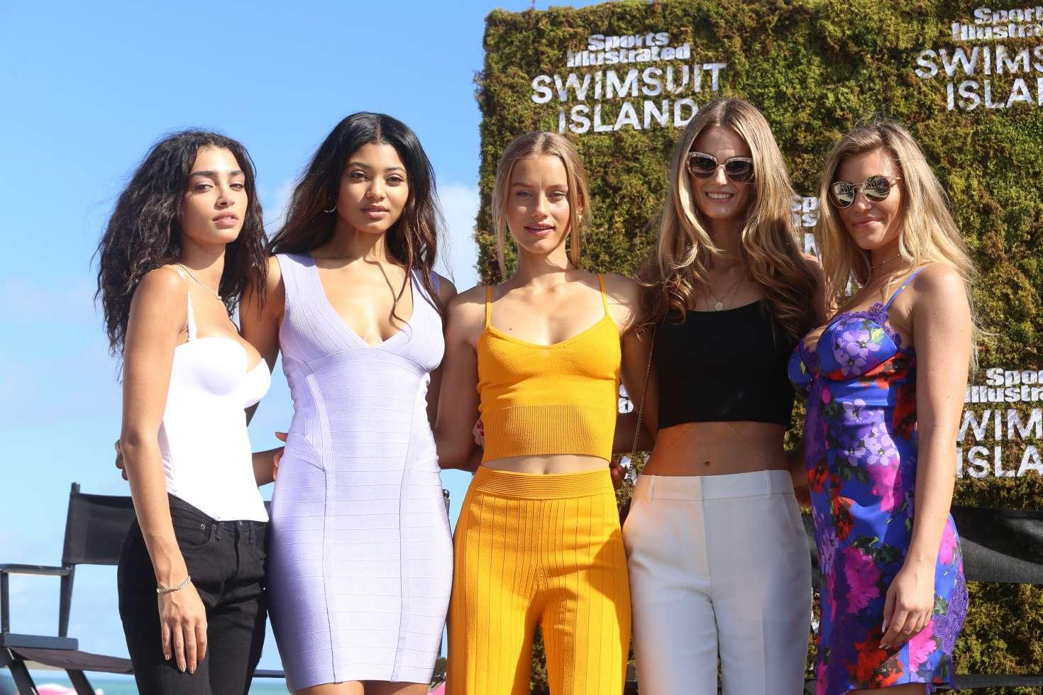 Samantha Hoopes 2017 : Samantha Hoopes: Sports Illustrated Swimsuit Island -93