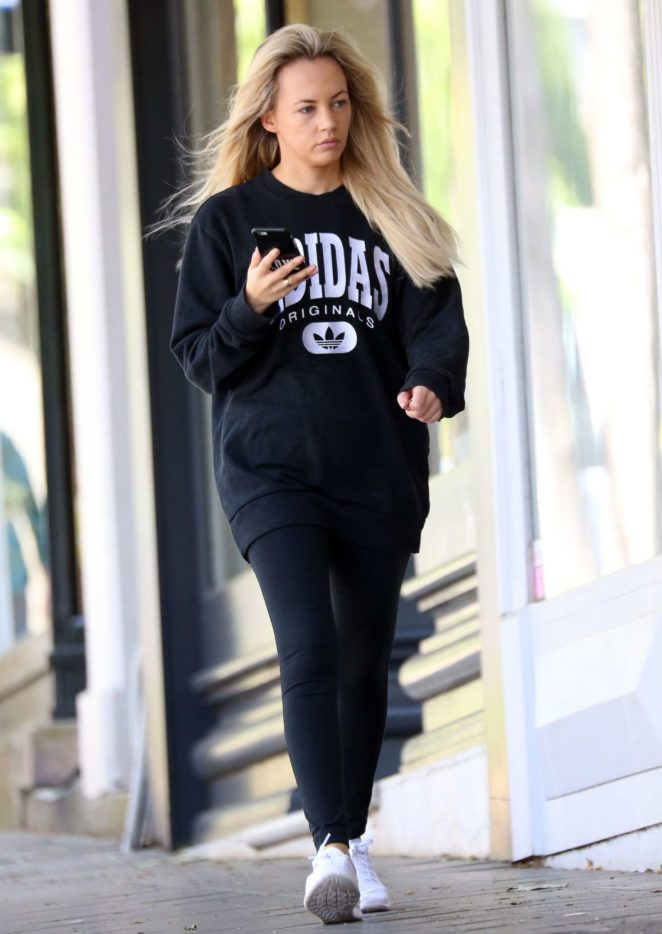 Samantha Jade out in Sydney -02