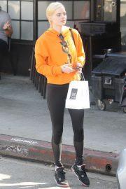 Samara Weaving - Having lunch with friends in LA