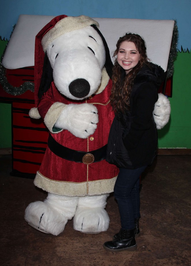 Sammi Hanratty - Knott's Merry Farm Countdown to Christmas & Tree Lighting