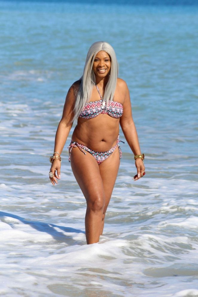 Sandi Bogle 2018 : Sandi Bogle: Bikini Candids -20
