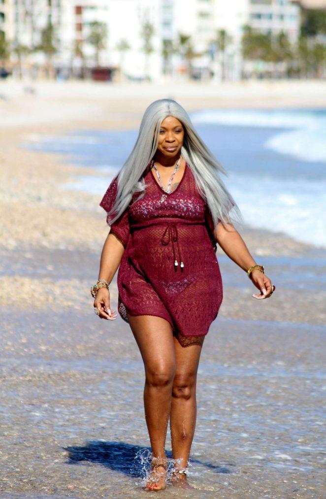Sandi Bogle 2018 : Sandi Bogle: Bikini Candids -22