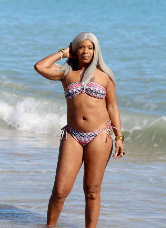 Sandi Bogle: Bikini Candids -43